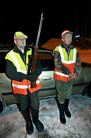 Ola Lundh och Lars Nordström är två av Gävle kommuns skyddsjägare.