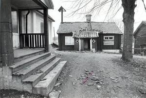 Bäckby gård fotograferad 20 april 1977.