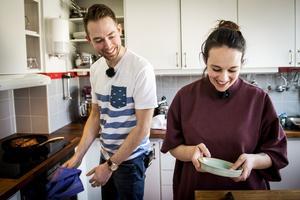 Mat är livet för både Johan och Birgit och köket är det rum de spenderar  mest tid i.