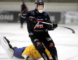 Kan Tillbergas Johan Kruse fortsätta att ösa in mål på Skarpe Nord i morgon?