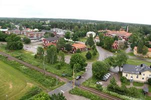 Från tornet har målarna utsikt över Bergby.