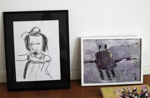 Koltecknad flicka av Märta Nordling och Eva Sollanders bild av gråväder.