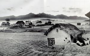 Befolkningsökning. Bilden är tagen i Katmandu 1969. I dag är området helt täckt av bebyggelse och luften är förorenad. Foto: Mark Edwars