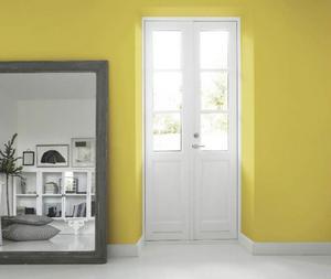 Med färg kan du förstärka en eftersträvad känsla i ett rum. Gult kan till exempel ge energi. Den gula väggfärgen kommer från Flügger. Priset för Flügger Flutex 7S är 160 kronor för 0,75 liter.Foto: Flügger