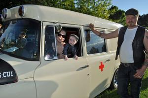 Arvid Beckius är bara 6 månader och har en 50 år gammal ambulans som