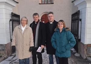 En kyrklig vigsel kan vara en enkel och billig ceremoni som man kan utforma som man själv vill ha den. Det vill kyrkoherdarna Niklas Lång och Pontus Gunnarsson samt kyrkomusikerna Birgitta Törnros och Majt Bengts visa med Kärleksveckan.
