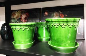 Bergs kruka Copenhagen är superfin och nu har Midtown fått in den i den här härligt gröna glaseringen. 449 respektive 499 kronor. På 1800-talet producerades den i Köpenhamn. I dag görs den i Toscana i Italien.