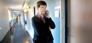 Efter att ha gått ut och krävt Håkan Juholts avgång mottog Ulla Persson avgångsbeskedet med lättnad.