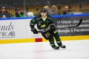 Axel Olsson har spelat 13 matcher med A-laget och gjort tre mål nu i höst.