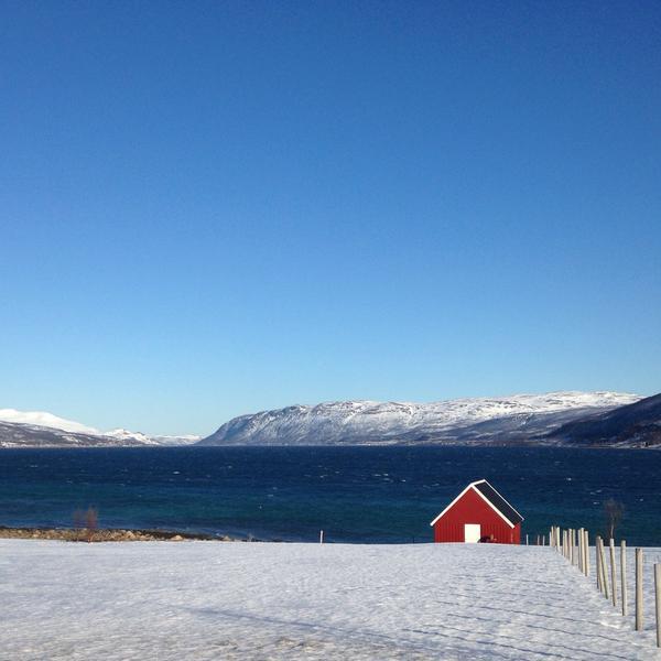 Hav och fjäll i vackra Tromsö