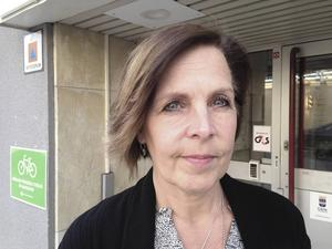 - Många olika personer har gått hos henne. Jag kan se att vi har brustit i att se att allmäntillståndet försämrades kraftigt så fort, säger Lena Isokivelä.