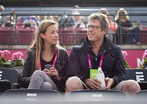 Anna Eberstein och Hugh Grant väntar sitt andra gemensamma barn.