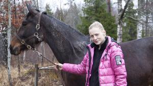 Ledaren Diana Brandberg med hästen Moving Bean.