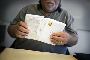 VLT och Bbl/AT:s Håkan Slagbrand med brevet från Johanna Möller.