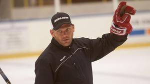Mikael Holmqvist gjorde under måndagen sitt första ispass med FAIK.