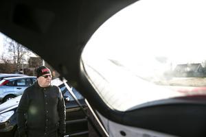 Vid ett extrainsatt styrelsemöte i Sundborns vägförening konstaterade ordförande Kjell Gustafsson att alla pengar försvunnit. Nu har man inte råd att betala för snö- och halkbekämpningen.