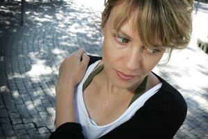 Annika Norlin, 31, Stockholm:– Det är klart jag ska rösta. Det finns inget jag tycker värre om än folk som gnäller utan att göra sitt för att påverka. Alltså: om man bara gör sitt och röstar är det frikort på att gnälla hur mycket man vill sedan.