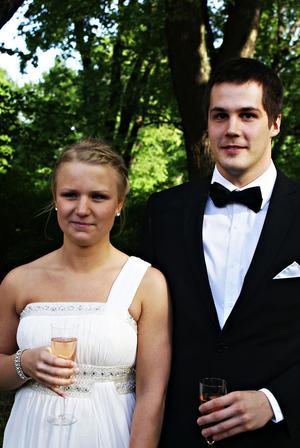 """projektarbete. Frida Lindberg och Andreas Johansson trodde att det skulle bli en bra bal. """"Min kompis och jag har planerat hela balen som vårt projektarbete"""", säger Frida Lindberg."""