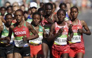 Jemima Jelagat Sumgong, Kenya. längst fram till vänster, tog OS-guld i maratonloppet.