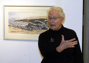 - Konst kommer från konstnärens eget inre, sa Elsie Tapper när hon invigningstalade på Konstrundan. Elsie startade sin egen konstnärsbana 1950.