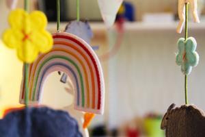 Öppna förskolan erbjuder förutom massor av lek och pyssel, även kurser i babymassage.