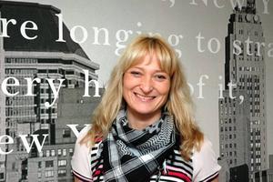 """HOPPAS LOCKA FOLK. Camilla Werme driver butiken Monique i Tierp, och är en av handlarna bakom satsningen """"Jul i Tierp"""" i helgen."""