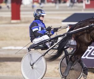 Linda S Hedström körde hem en seger på hemmabanan Hagmyren.