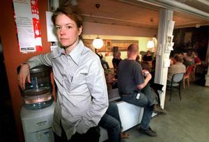 Mittnytts chef Anna Olsson-Werkström väljer att sluta. Beslutet kommer efter medarbetarnas kritiska debattinlägg i bland annat LT i veckan, samt efter tilltagande kritik från allmänhet och länsföreträdare mot befarad urvattnad journalistik med anledning av SVT:s omorganisation.