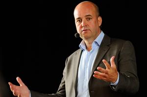 Statsminister Fredrik Reinfeldt besöker Hudiksvall för att prata med ungdomar.