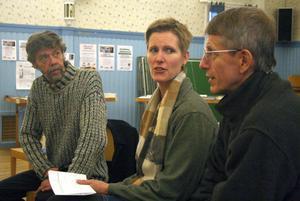 Anders Östlund, Lisbet Abelsson och hennes pappa Björn Abelsson diskuterade en bättre framtid.