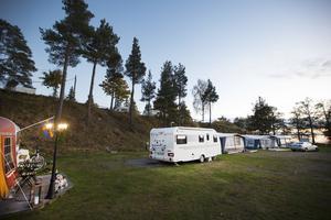 Den här säsongen är det tre husvagnar med åretruntboende på Engesberg camping. I somras var det fullbelagt.