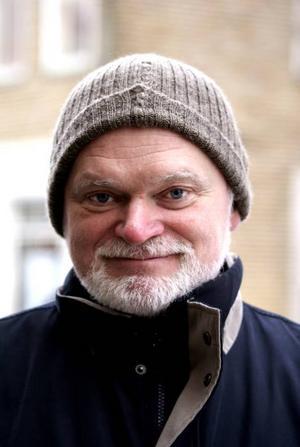 Stefan Åberg, 59 år, ekonom, Gävle– Jag vet inte. Jag tror det skulle vara en fördel om de kunde försöka komma bättre överens.