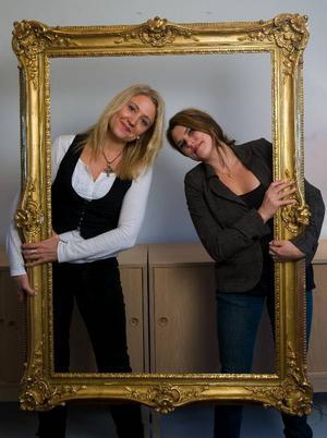 """Klara Zimmergren och Mia Skäringer är nöjda med den andra säsongen av sin hyllade komediserie """"Mia och Klara"""". Men nästa gång de jobbar ihop vill de göra drama.  Foto: Fredrik Sandberg / SCANPIX"""