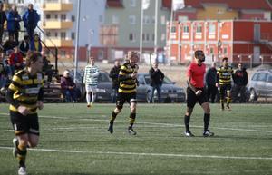 Dervis Grabus gjorde Skiljebos andra mål i matchen, på enfrispark.