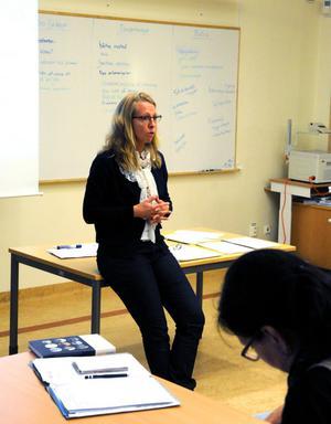 Marie M Åsberg är lärare på högskolan i Falun, men under några dagar i höst kommer hon att jobba i Vansbro med en högskoleutbildning.