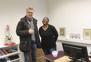 Derek Scally träffar Edinah Masanga som jobbar på Centrum för alla.