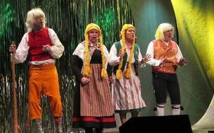 Roligt var inslaget att all musik egentligen kommer från Dalarna med Tommy Andersson, Hans-Göran Berglund, Kicki Arnberg och Ulla Sundqvist.FOTO: ROLAND ENGVALL