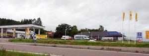 Shell Express i Tviksta byggs om till en St1-station. Inom ett par dagar beräknas förvandlingen vara klar.