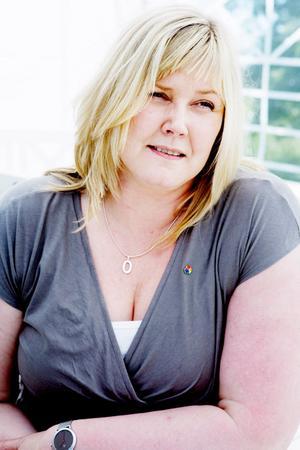 Marie Nordén vill styra över mer statliga pengar till kommuner och landsting så att de slipper säga upp anställda framöver.Foto: Lars-Eje Lyrefelt