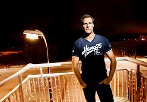 Niklas Lihagen ska operaras i Köpenhamn i augusti. men ahn vet fortfarande inte iom han kommer kunna spela någon mer ishockey.