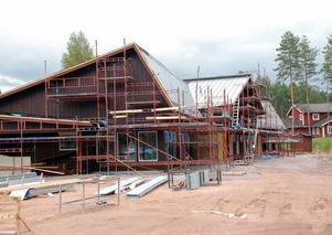 Förskolan Källan i Källberget skulle kosta 14,9 miljoner och beräknas nu bli två miljoner kronor dyrare vilket oroar tf ekonomichef Wigert.