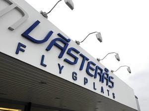 Västerås flygplats – förlusterna tvingar fram ett sparpaket.