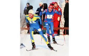 Här är Domnarvets Simon Andersson och Moras Andreas Allerhed i en duell under förra årets tävlingar.ARKIVFOTO: CURT KVICKER