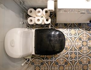 Vackert golv. Till det nya badrumsgolvet valde Maria Marrakech-kakel.