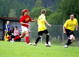 Robinson-Anna spelade oftast på kändisarnas vänsterkant. Foto:Johan Källs