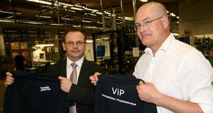 Jörgen Oldenstedt, vd och John Hellsten, platschef vid Finnveden Powertrain i Kungsör kom med ett glatt besked under onsdagen.