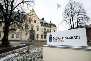 Mora tingsrätt har dömt en man från Mora kommun till dagsböter för sexuellt ofredande.