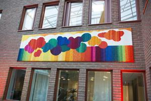 Ulrika Lönnå är konstnären bakom ett av konstverken i Vinterträdgården.