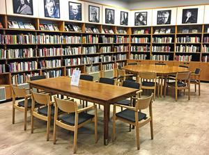 Arkivbild. Tranströmerrummet på biblioteket invigs den 14 november. Bland annat närvarar kulturchef Anders Lerner och Tomas Tranströmers änka Monica.