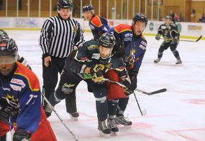 Kapten Patrik Malmberg och Alfta fick ingen fart på den grönvita skutan i hemmapremiären mot Ludvika.